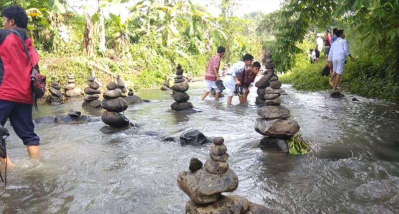Image result for Sungai Cibojong, daerah Cidahu, Jawa Barat