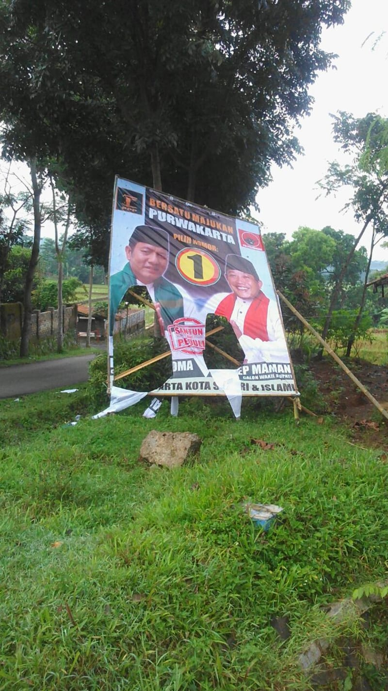 Perusakan Atribut Kampanye Padil Karsoma Pelanggaran Pemilu di Purwakarta
