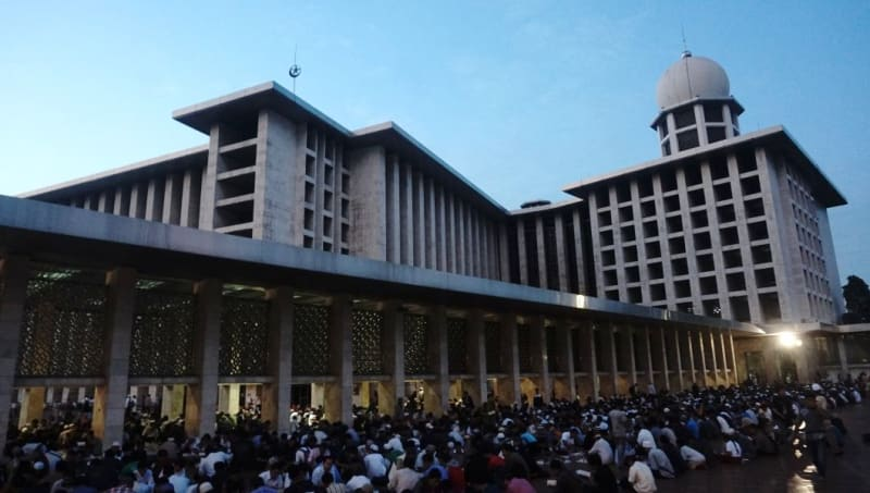 Buka puasa di Masjid Istiqlal