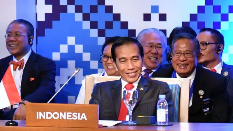 Jokowi dan delegasi Indonesia di KTT ASEAN