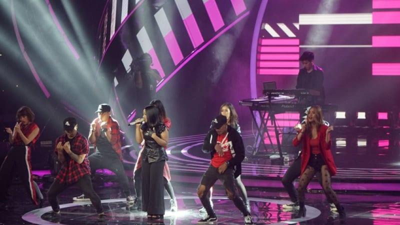 Jevin Julian dan Maria di Indonesia Idol.