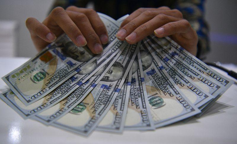 Rupiah lemah terhadap Dolar