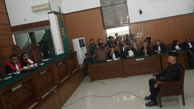 Sidang perdana Ahmad Dhani.
