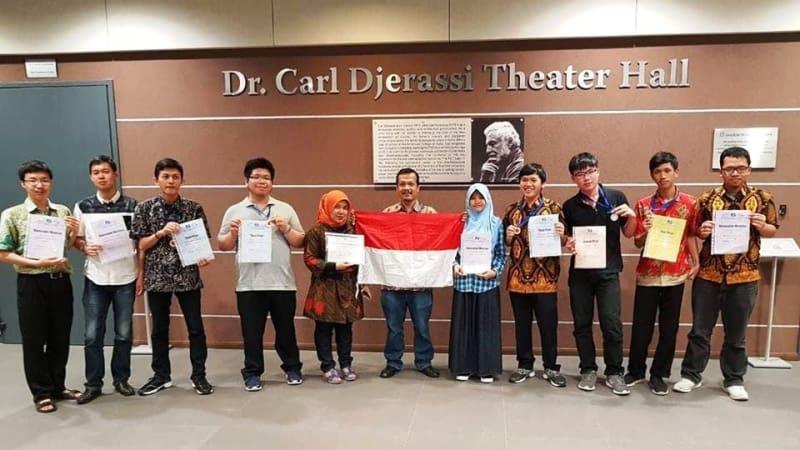 Seluruh peserta IMC dari Indonesia   Foto: ITB