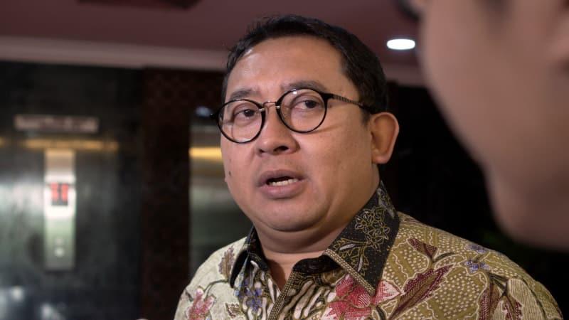 Ngakak!!! Jokowi Menang Lawan Prabowo, Fadli Zon Langsung Hapus Polling Buatannya Sendiri
