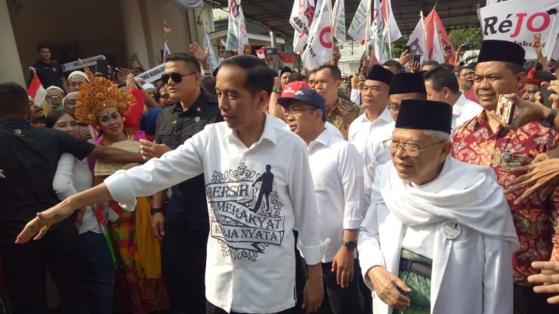 Jokowi dan Ma'ruf Amin meninggalkan Gedung Joang 45