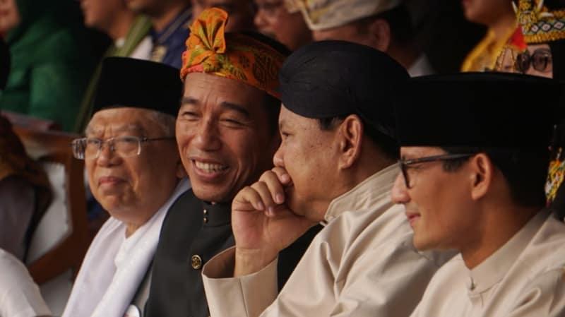 Keakraban Jokowi dan Prabowo di Monas.