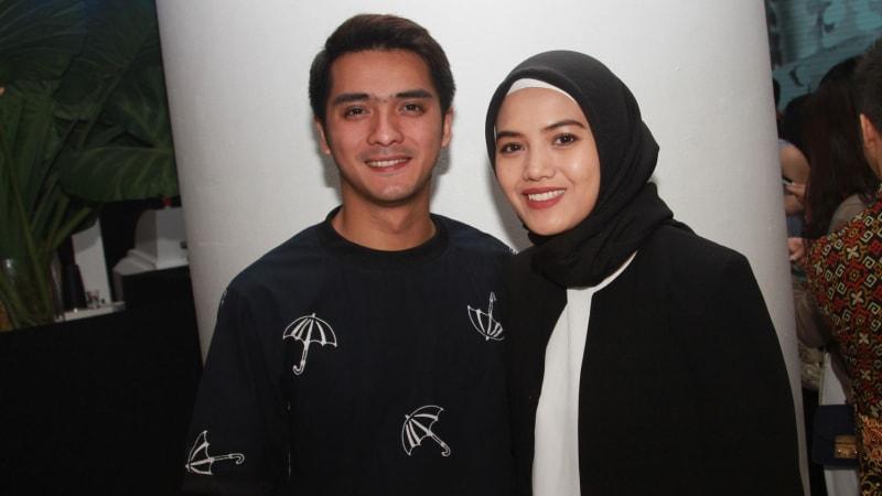 Ricky Harun dan Istri
