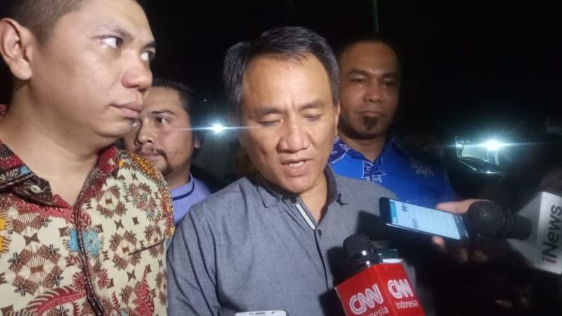 Andi Arief di rumah SBY