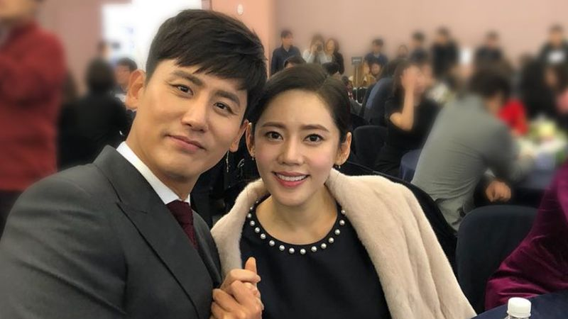 Chu Ja-hyun dan suaminya, Yu Xiaoguang