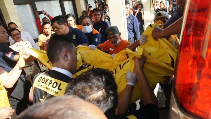 5 kantong jenazah tiba di RS Bhayangkara.