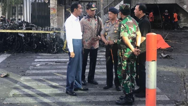 Jokowi Tinjau Lokasi Ledakan Bom di Surabaya