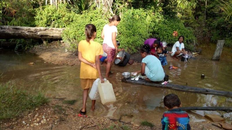 Kondisi sungai kecil di Desa Waengapan, Pulau Buru