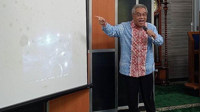 Yan Yan Sunarya, Dokter Batik Sunda