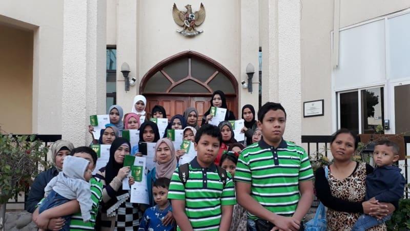 WNI dengan 7 anak akhirnya pulang ke Indonesia