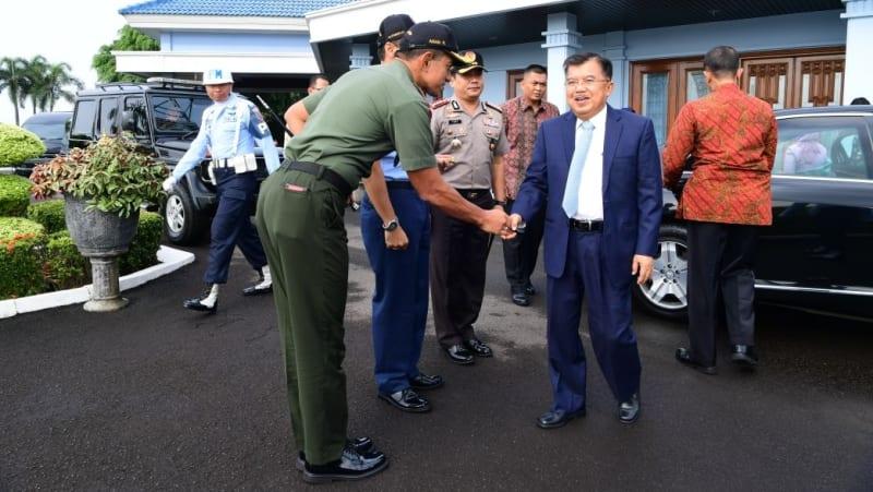 Jusuf Kalla kunjungan kerja ke UNS Jateng