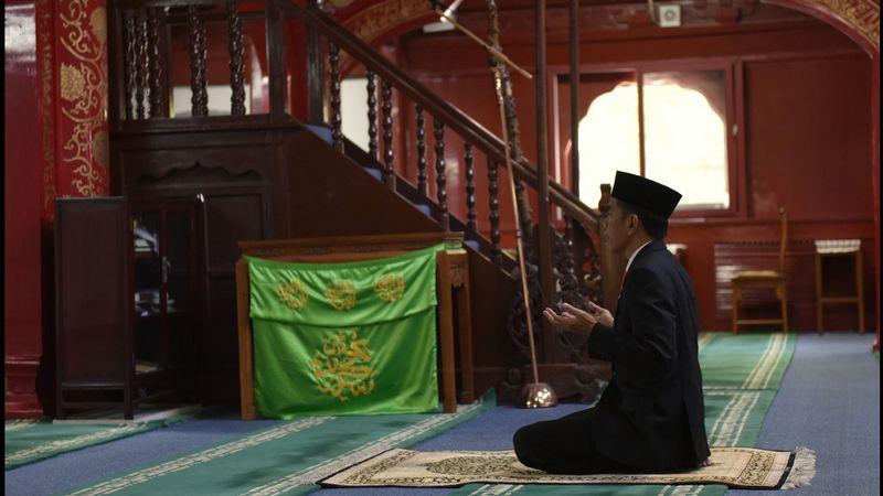 Jokowi di Masjid Niejie Bejing