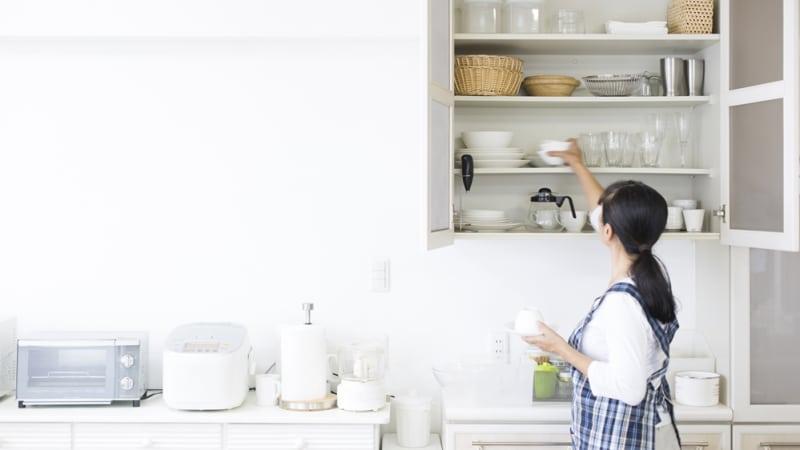 Pilih lemari dapur berukuran ideal.