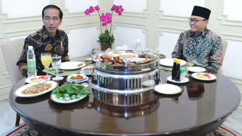 Jokowi dan Zulkifli Hasan