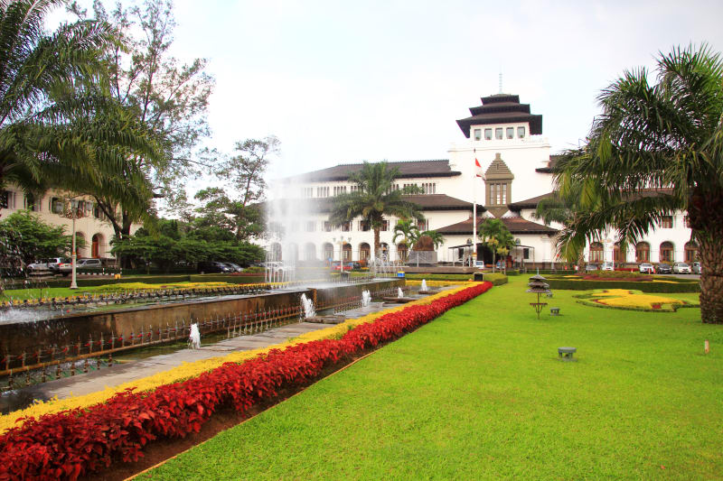 com-Kota Bandung
