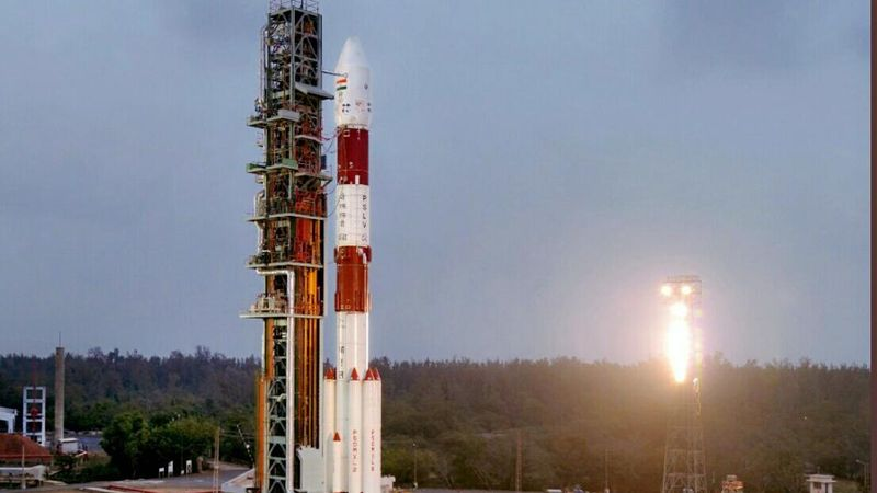 Peluncuran Satelit ke-100 India