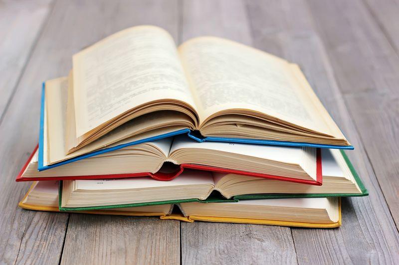 com-Buku