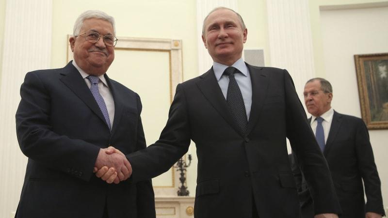 Vladimir Putin Bertemu Mahmoud Abbas