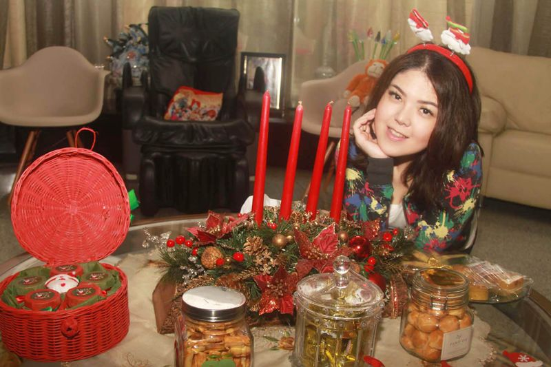 Penyanyi Tina Toon Sambut Natal 2016