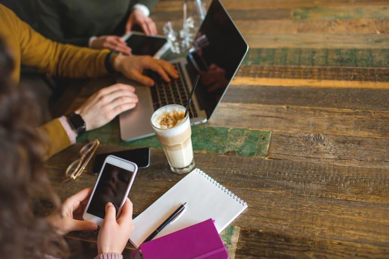 Meeting di coffee shop