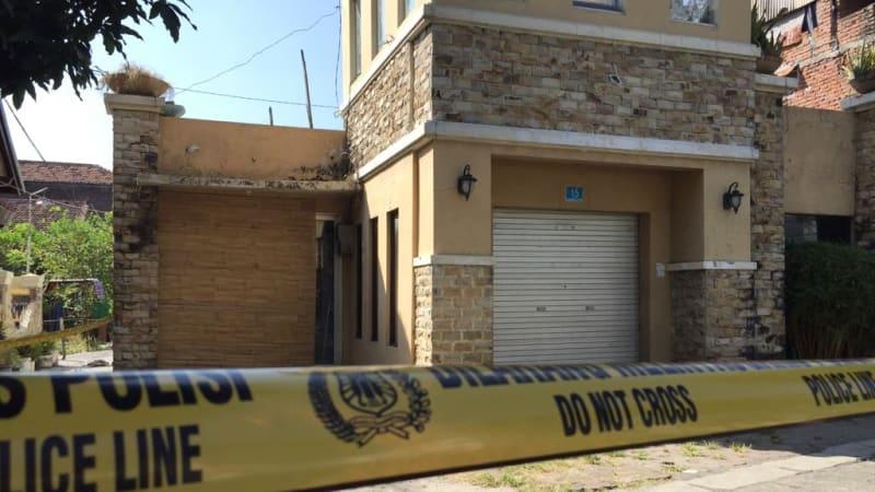 Rumah terduga teroris di Jalan Dukuh Pakis