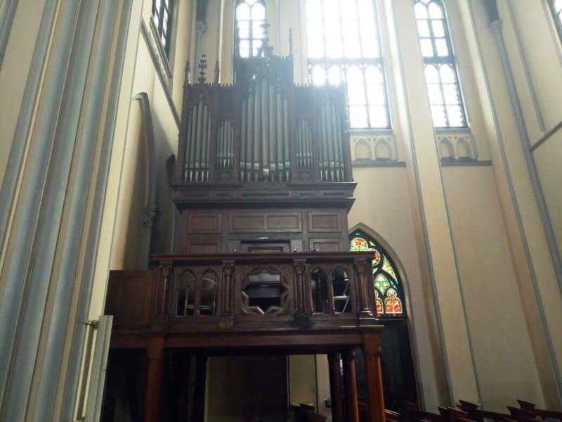 Orgel atau Organ Pipa di Gereja Katedral