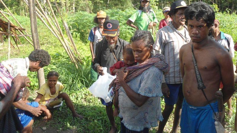 Warga Suku Manusu Ane Maluku Tengah
