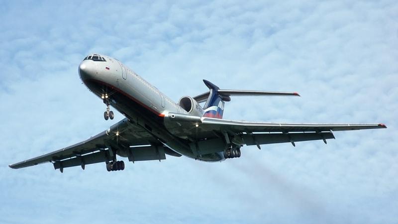 Ilustrasi Pesawat Rusia Tu-154