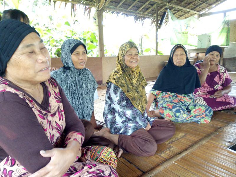 Penduduk Kampung Curug, Tangerang masih buta huruf