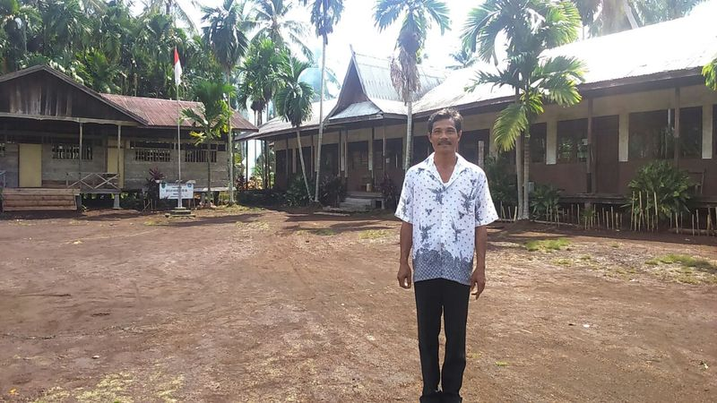 Bambang Irawan, guru SD Negeri 006 Sungai Danai