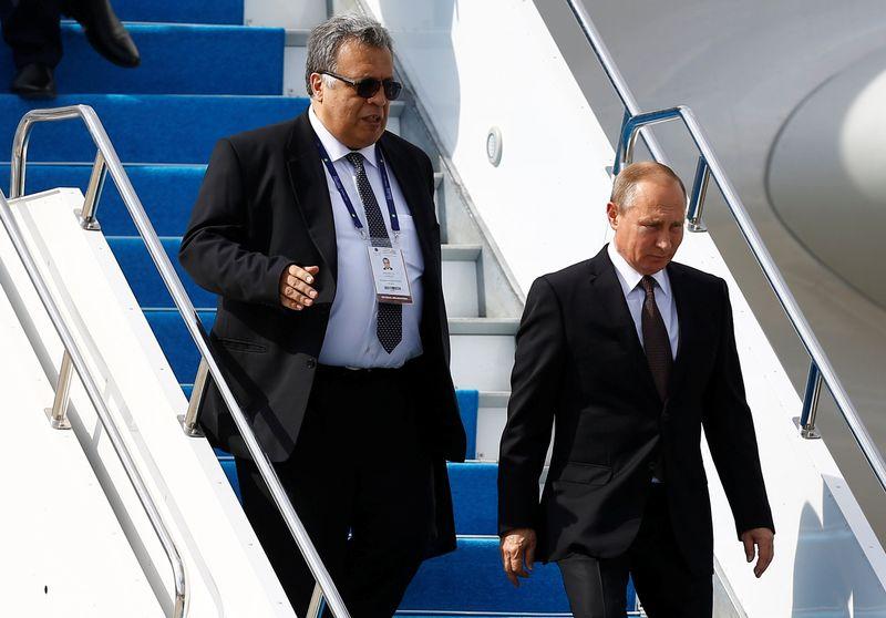 Dubes Rusia Untuk Turki Andrey Karlov Bersama Vladimir Putin
