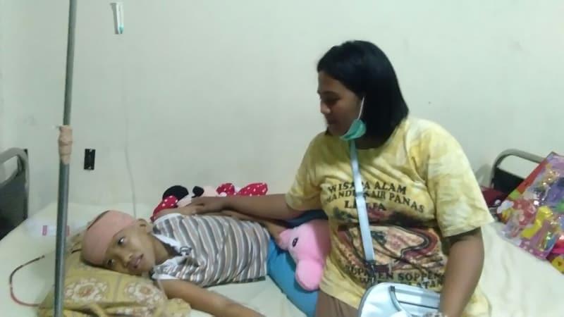 Devi terkena penyakit aneh