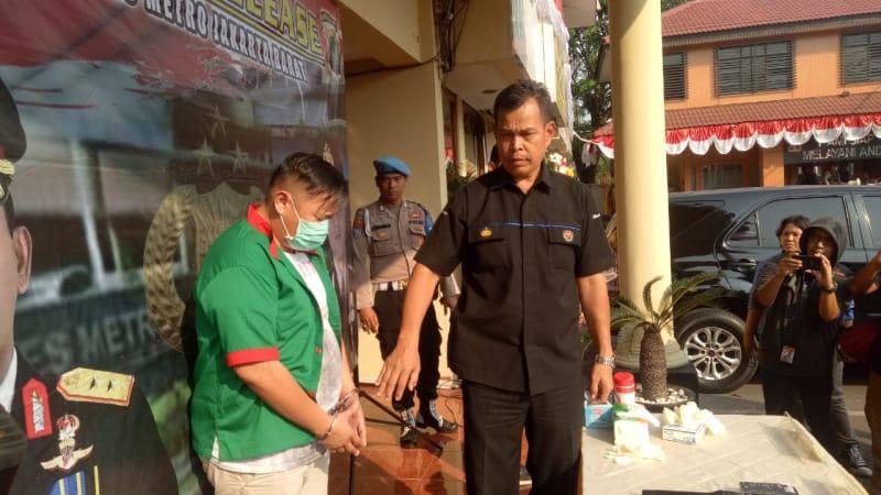 Penangkapan Artis Reza Bukan.