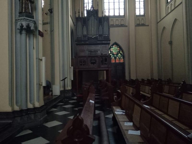 Organ Pipa Gereja Katedral (tidak untuk cover)
