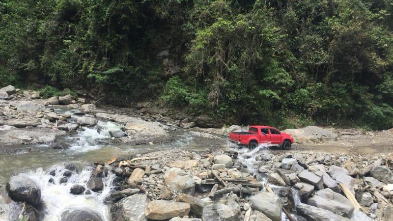 Kondisi Jalan dan Masyarakat Kawasan Pegunungan Arfak Papua Barat.