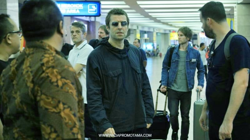 Liam Gallagher tiba di Soekarno-Hatta