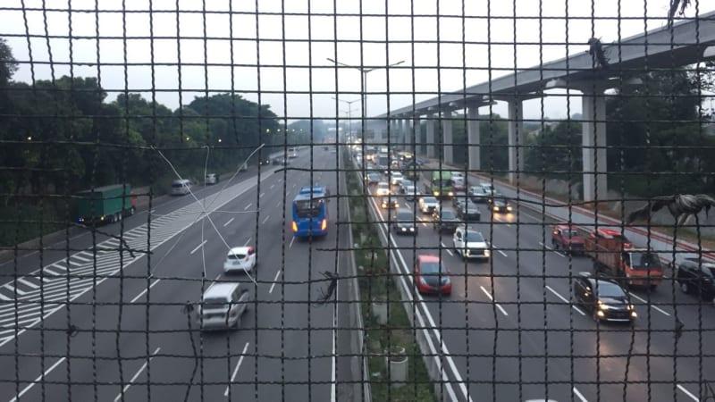 JPO di KM 6.300 Tol Jakarta-Cikampek