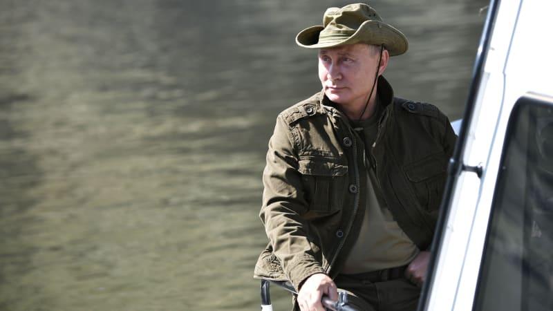 Presiden Rusia Vladimir Putin saat liburan, cagar alam Sayano-Shushensky, Republik Tyva, Rusia.