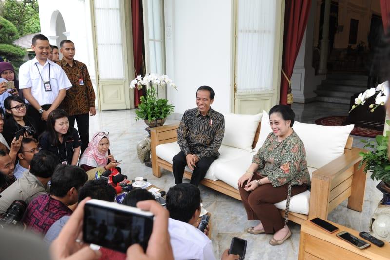 Jokowi menjamu makan siang Megawati (Foto: Setpres)