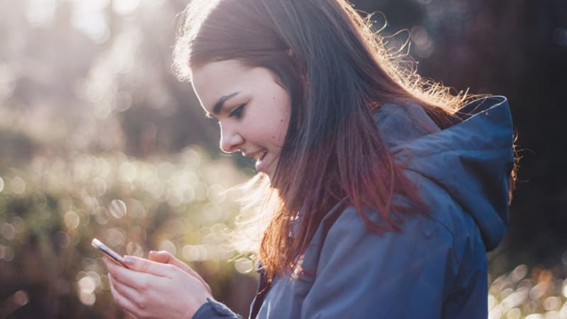 Kecanduan gadget pada anak remaja