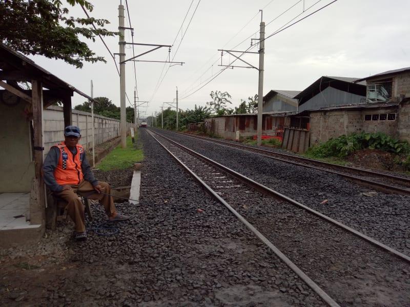 Penjaga Perlintasan Kereta