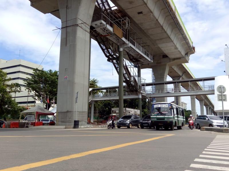 Jembatan penyeberangan orang (JPO) Jalan Trunojoyo