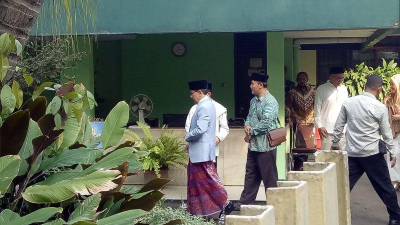 Akbar Tanjung hadir di open house Cendana