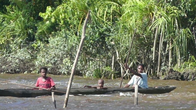 Menyusuri sungai di Kabupaten Asmat