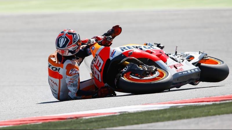 Marc Marquez mengalami crash